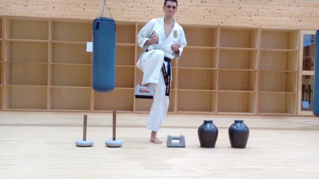 Ishi Sashi